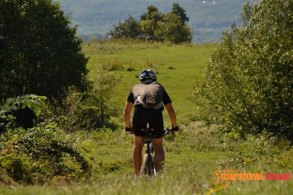Cum să rămâi motivat şi să te antrenezi cu entuziasm pe bicicletă