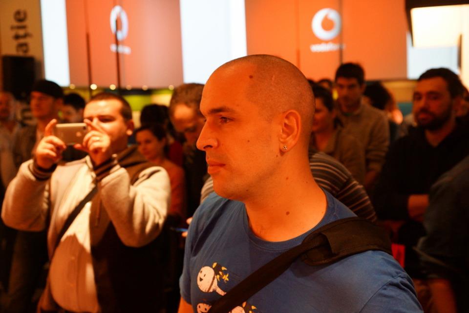 Emilian Nedelcu, lansare iPhone 5 Vodafone Romania