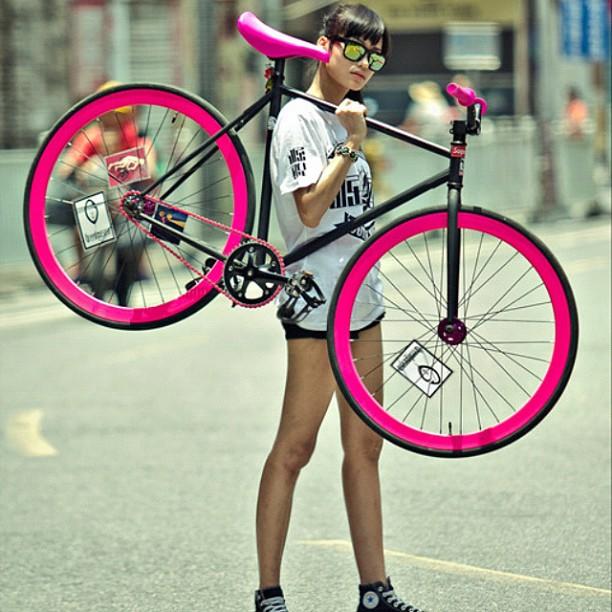 Bicicliste sexy - atitudine