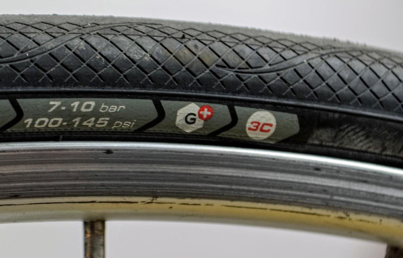 Detaliu cauciucuri cursiera Vittoria Rubino