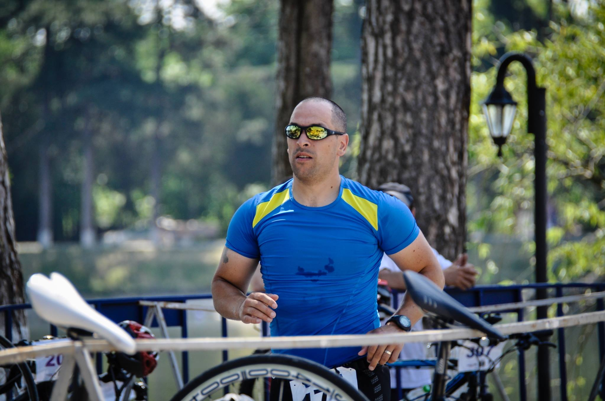 Emilian Nedelcu - tranzitie bicileta Pegas Triatlon Buftea
