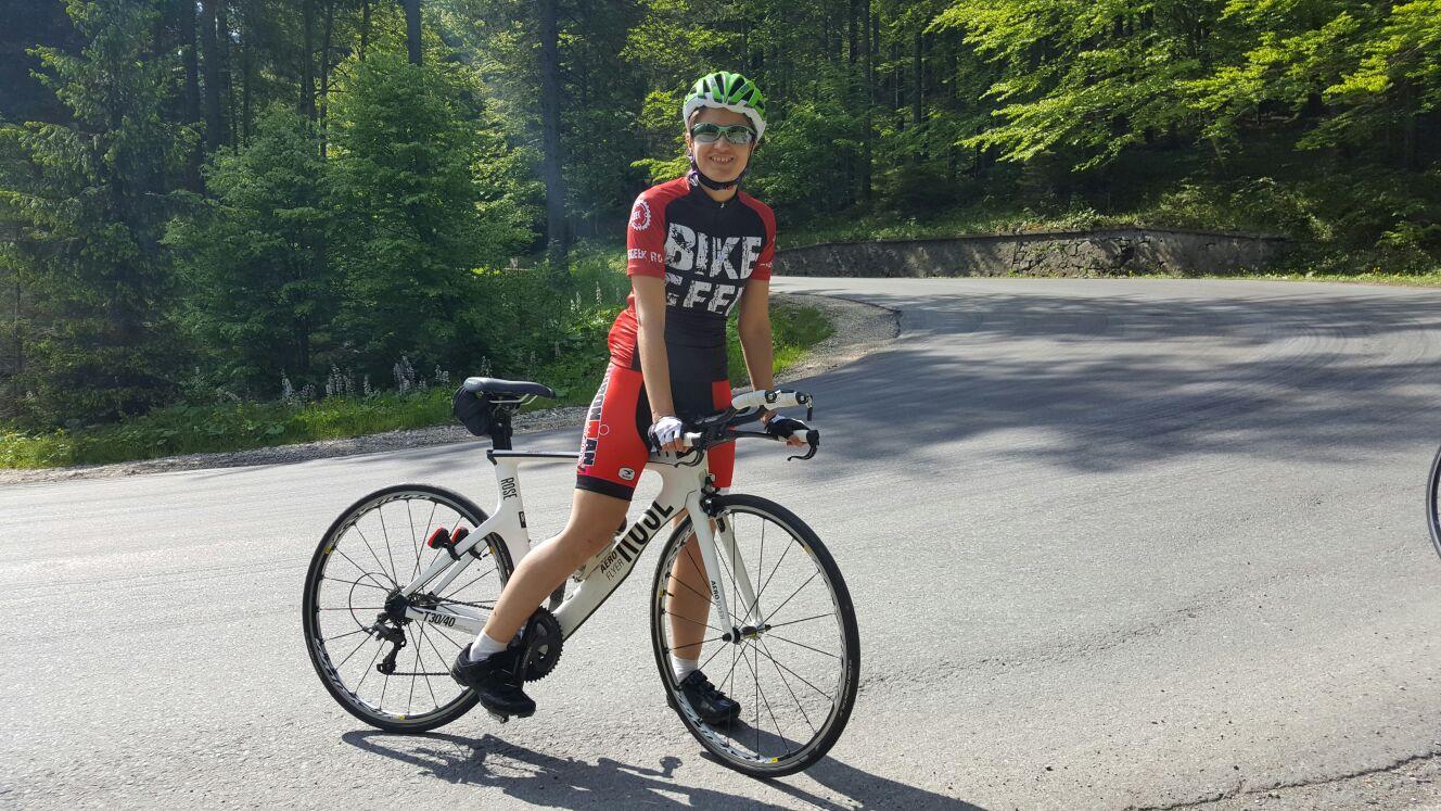 Andreea Calugaru - antrenament bicicleta urcare