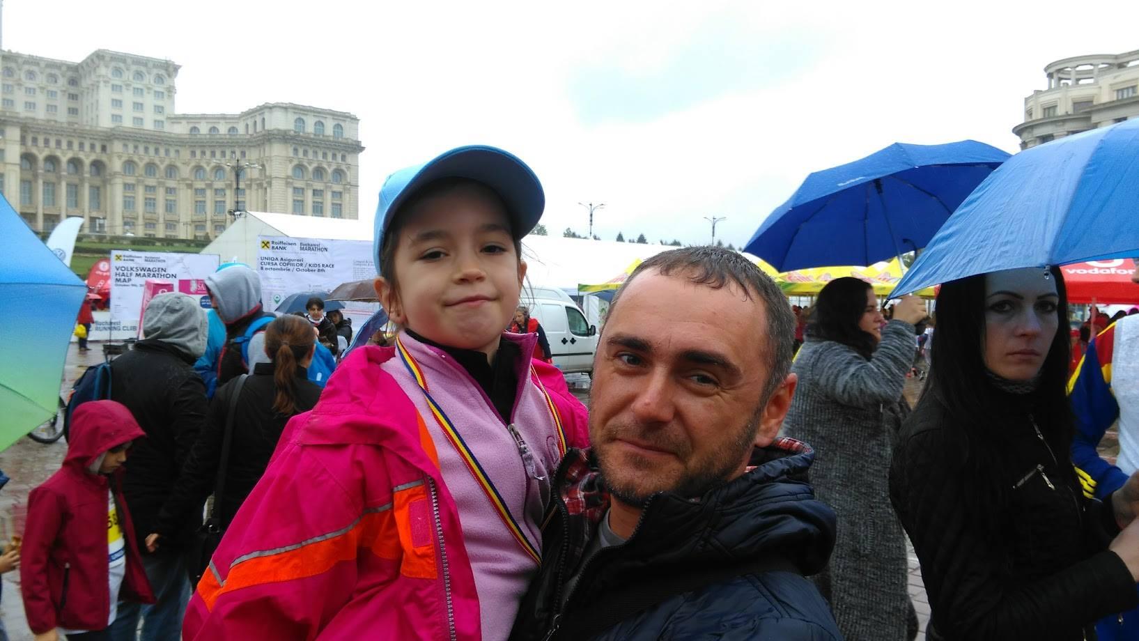Alături de antrenorul Mihăiță Băloi, care a pus mult suflet și a încurajat-o frenetic pe Natalia în timpul cursei. Tot el a pus la punct și strategia :)