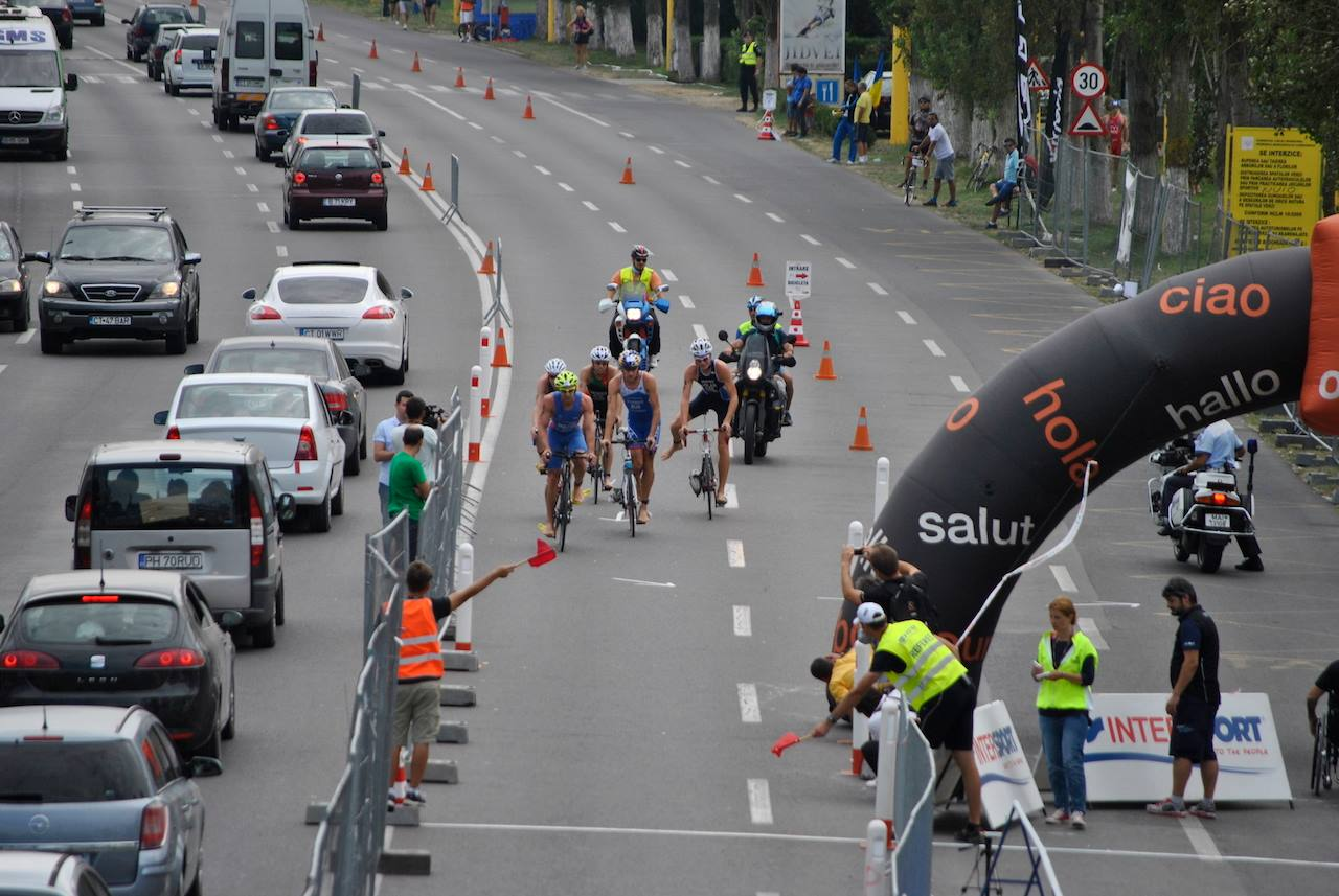Triathlon Challenge Mamaia - elitele termina ciclismul