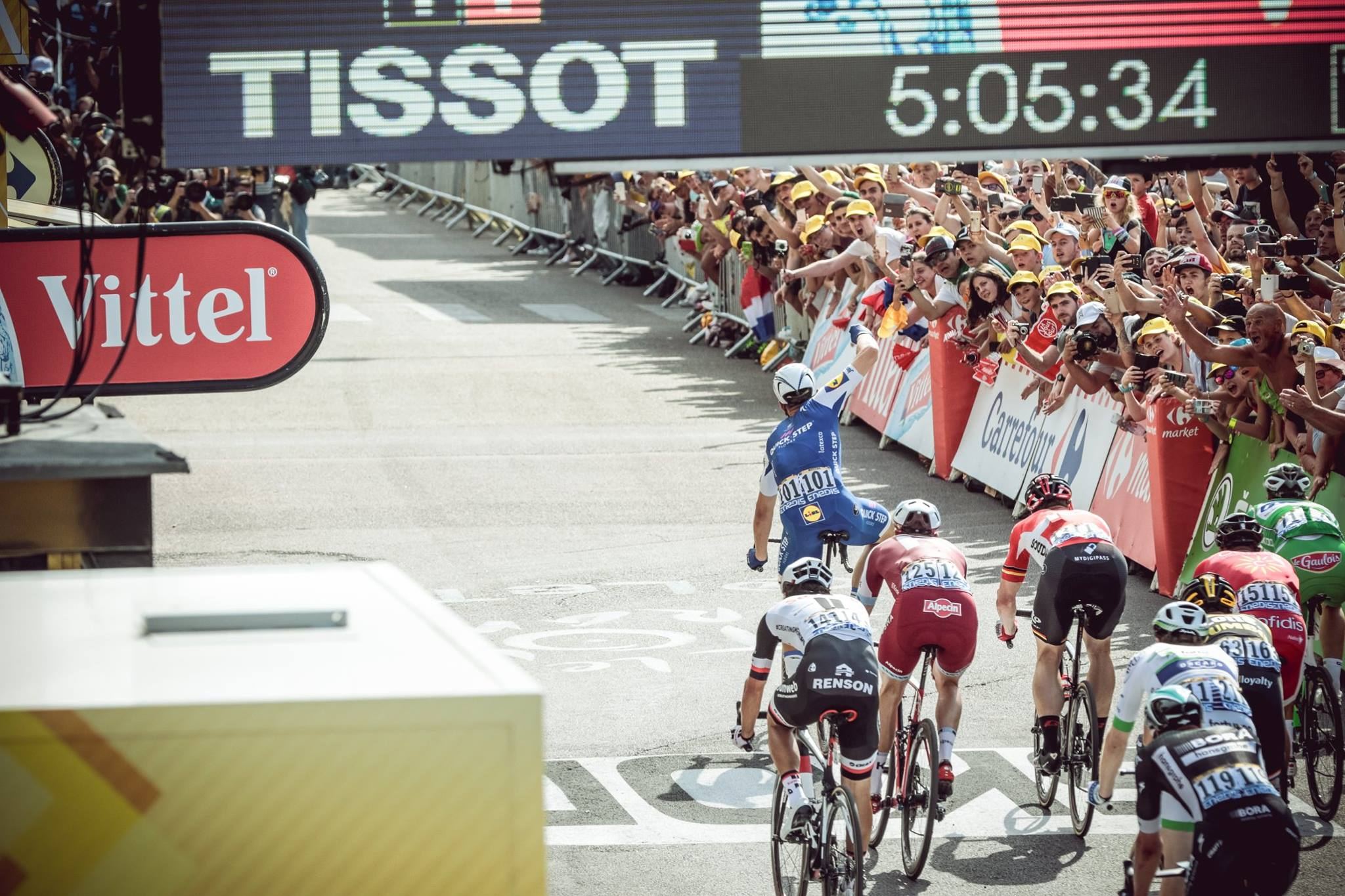 Marcel Kittel trece victorios linia de finish in etapa 6