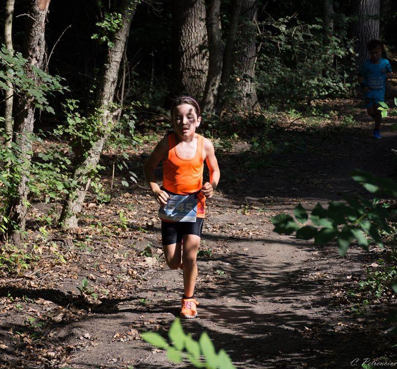 Natalia Nedelcu - cursa Fox Trail padurea Baneasa