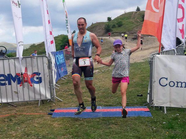 Fara Asfalt la Munte 2019 - finish Emilian Nedelcu alaturi de Natalia Nedelcu