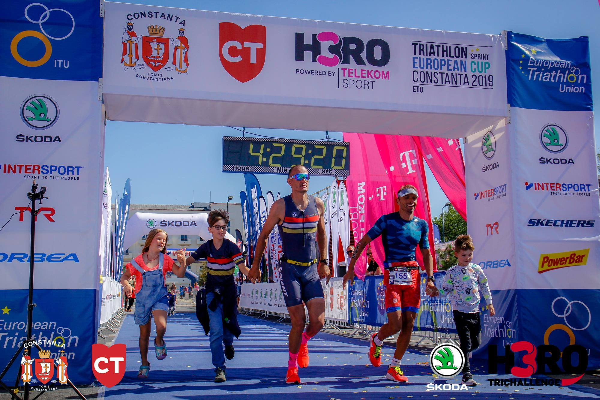 George Murar - Alex Ciocan - finish line H3RO by TriChallenge 2019