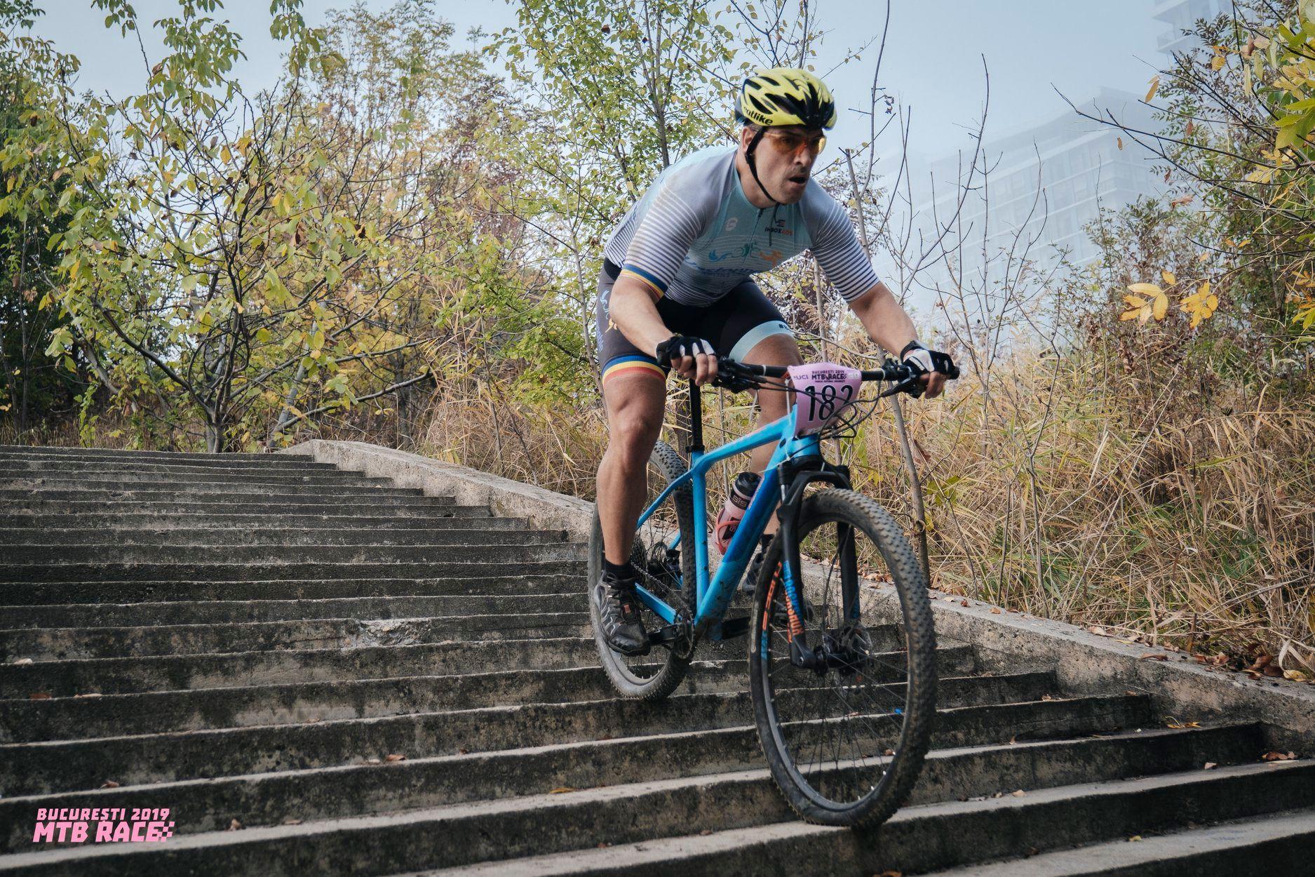 Bucureștii MTB Race 2019 - coborâre scării