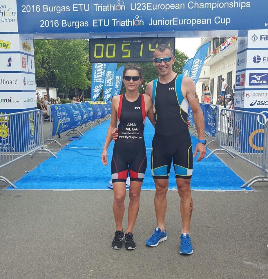 Ana Mega, alături de antrenorul de ciclism Filip Grigorescu.