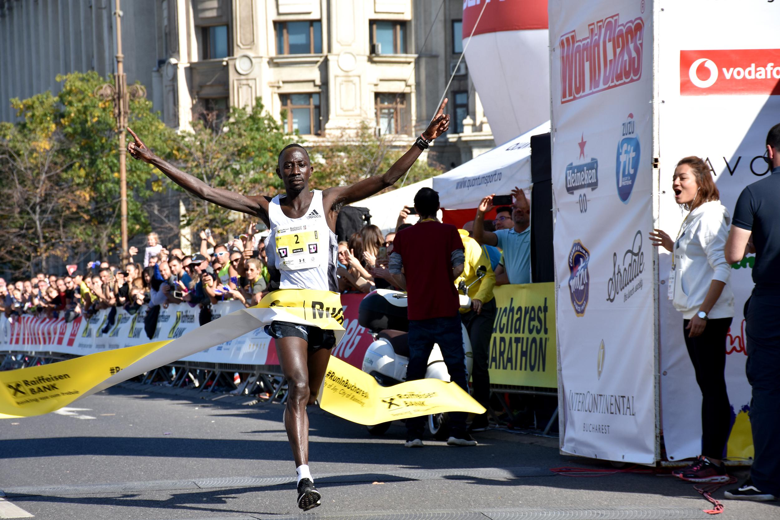 Maratonul București 2019 - câștigător Hosea Kipkembo