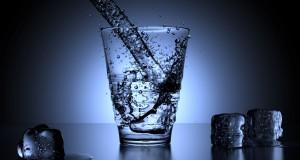 Pentru mulţi dintre sportivi, hidratarea înaintea concursului înseamnă cam un singur lucru, evitarea dezhidratării.