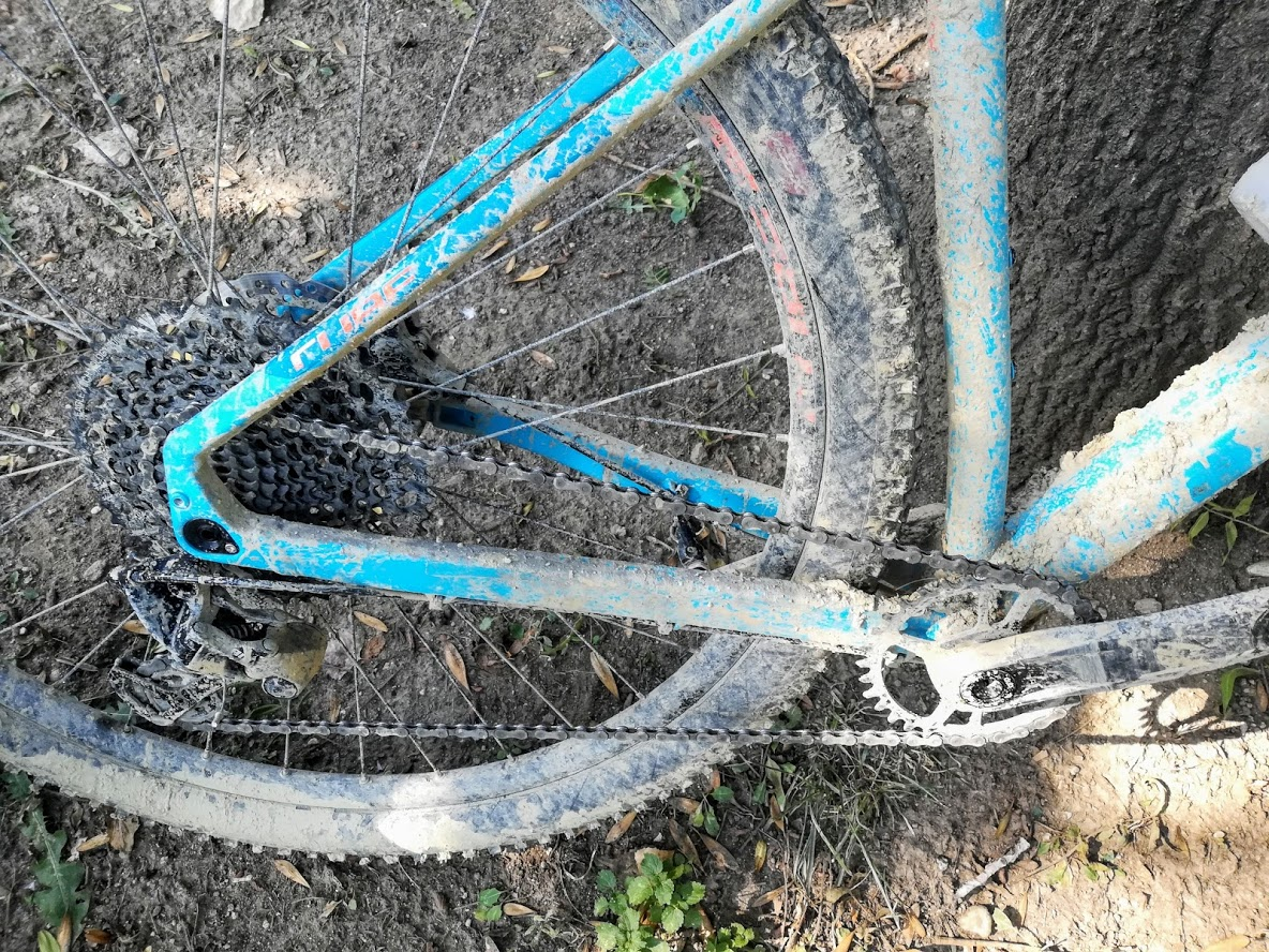 Bicicleta MTB - plina de noroi