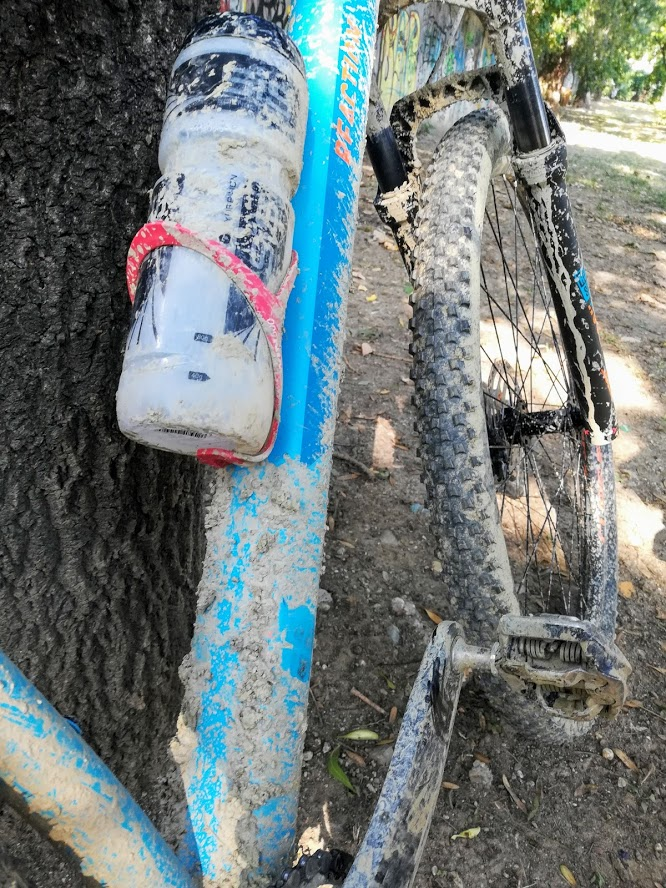 Bicicleta murdara de noroi