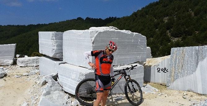 Insula Thassos - cu bicicleta la cariera de marmura