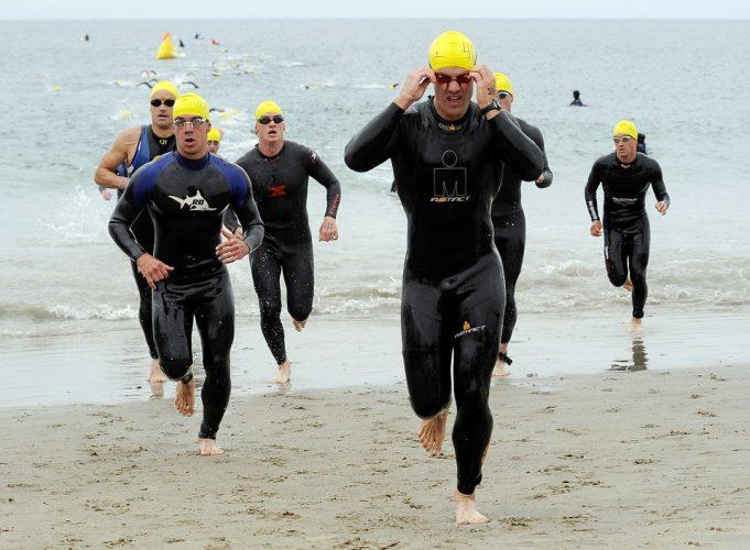 Concurs de triatlon - iesire apa